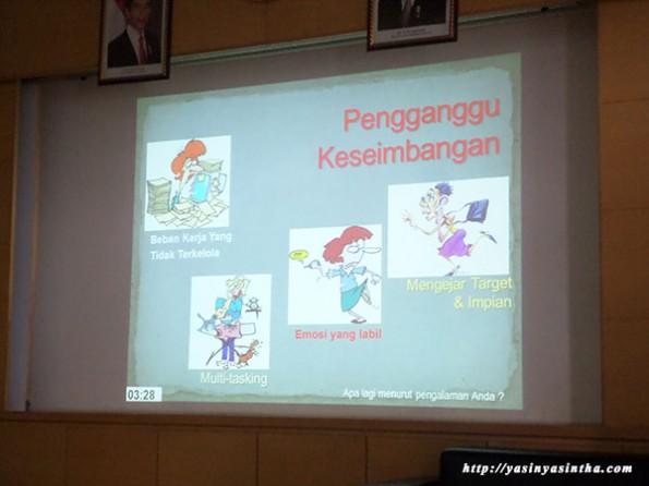 seminar ibu bijak bersama blogger bandung - jahja b soenarjo