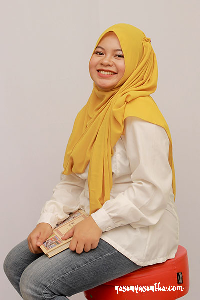 Hijab by : Ohya by Ethica Makeup and Photo by : Me