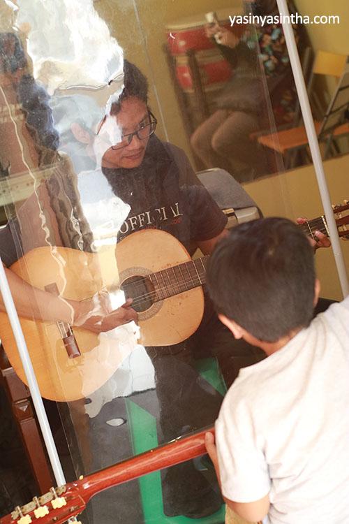 swara harmony - gitar