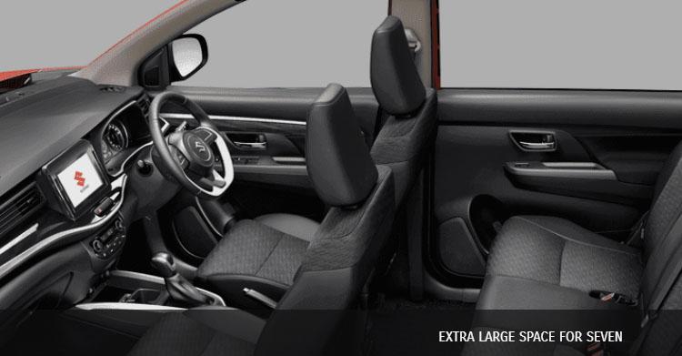 interior suzuki xl7 cukup luas dan cocok untuk mobil keluarga