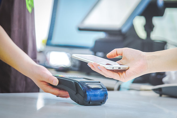 pembayaran dengan scan qr code lebih mudah dan aman bebas kontak