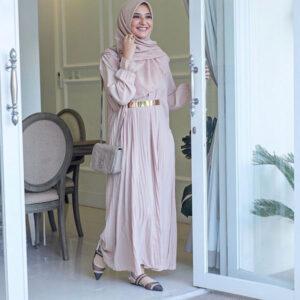 ootd gamis shiren sungkar sebagai inspirasi gaya gamis elegan