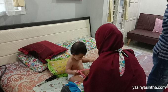 metode pijat bayi bisa jadi pilihan karena meminimalisir penggunaan obat- obat kimia