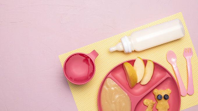 membersihkan alat makan itu tidak boleh sembarangan dan harus menggunakan sabun pembersih khusus