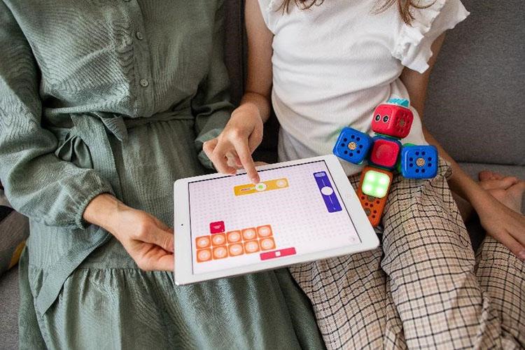 belajar daring 2021 bagi ibu dan anak TK