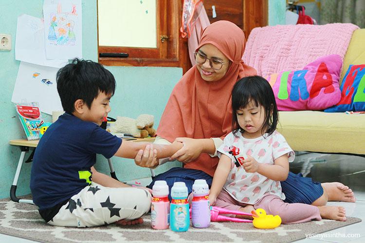 cara menggunakan bedak bayi agar tetap aman untuk bayi dan anak